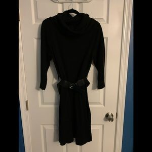 Sweater dress with belt